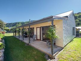 Eureka Cottage - Arrowtown Holiday Home photos Exterior