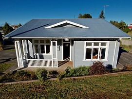 Cole Cottage - Ohakune Holiday Home photos Exterior