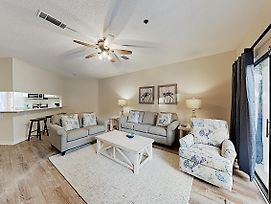 New Listing! All-Suite W/ 3 Pools - Walk To Beach! Townhouse photos Exterior