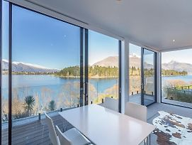 Lakefront Villa - Queenstown Holiday Home photos Exterior