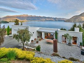 Casa Matau - Luxury Queenstown Holiday Home photos Exterior