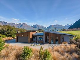Lookout Retreat - Queenstown Holiday House photos Exterior