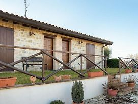 Premium Holiday Home In Marsciano With Swimming Pool photos Exterior