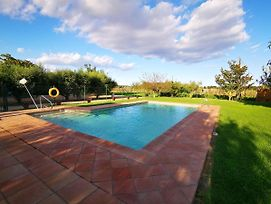 Pleasant Holiday Home In Gerona With Swimming Pool photos Exterior