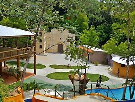 Lenca World Roatan photos Exterior