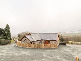 Cut Moch, Plas Moelfre Hall Barns photos Exterior
