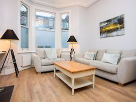2 Bedroom Apartment Close To Clapham Junction Station photos Exterior