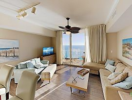 Impeccable Oceanfront Condo W/ Pools & Huge Gym Condo photos Exterior