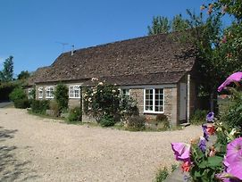 Stable Cottage Little Somerford Malmesbury photos Exterior