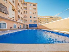 Two-Bedroom Apartment In Torrevieja photos Exterior