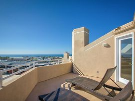 New Listing! Contemporary Beach Gem W/ Balconies Townhouse photos Exterior