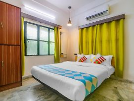 Luxurious Stay Near Udayan Park photos Exterior
