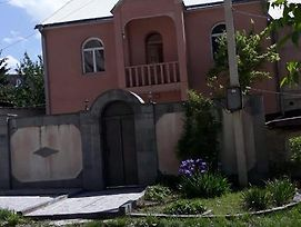 Guest House In Vanadzor Near To The Center photos Exterior