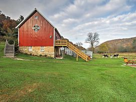 Unique Renovated Winona Barn W/2 Decks On 80 Acres photos Exterior