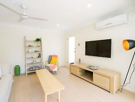 3 Bedroom Apartment Minutes From Main Beach photos Exterior