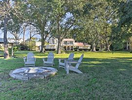 Modern Lake Conroe House With Lakefront Park And Deck! photos Exterior