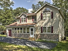 Bushkill House W/Deck & Resort Community Amenities photos Exterior
