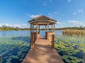 Secluded Lake Front Estate photos Exterior