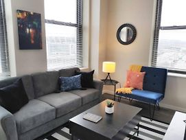 Vibrant Trendy 1Br Apt In Downtown photos Exterior