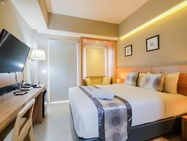 Comfortable And Fully Furnished Studio Apartment At Mustika Golf Residence By Travelio photos Exterior