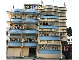 Hotel Raj, A Unit Of Sterling Guest House photos Exterior