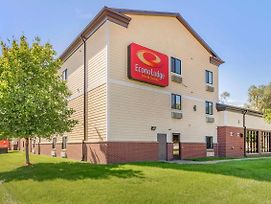 Econo Lodge Inn & Suites Fairgrounds photos Exterior