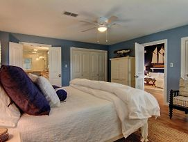 3/3 Right On The Canal! Located In Key Allegro In Rockport, Texas! photos Exterior