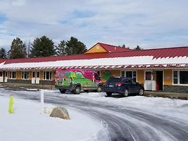 Middlebury Sweets Motel photos Exterior