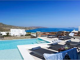 Villa Ortus White Cycladic Lux With Private Pool 3Bed & 3Bath! photos Exterior