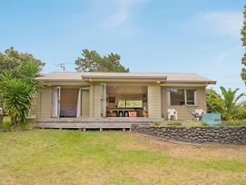 On The Green - Pauanui Holiday Home photos Exterior