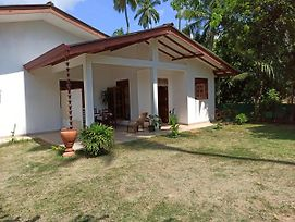 Jasmin Home Aluthgoda photos Exterior