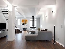 2 Schlafzimmer Maisonette Apartment In City West By Suite030 photos Exterior