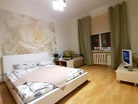 Apartment Near Park Chelyuskintsev Metro Station photos Exterior