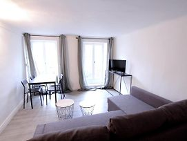 Fully Equipped Apt Joliette Close To The Port photos Exterior