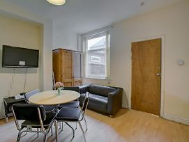 4 Bed Home In Rusholme Close To Manchester Uni photos Exterior