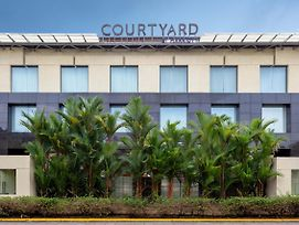Courtyard By Marriott Kochi Airport photos Exterior