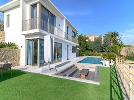 Splendid Villa With Sea View And Infinity Pool In Vallauris photos Exterior