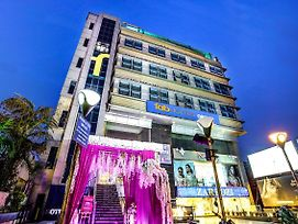 Fabhotel Orbion Mall Road photos Exterior