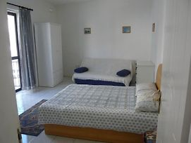 2 Large Bedroom Apartment In St Julians, Malta photos Exterior