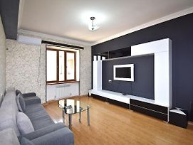 Argishti Street 1 Bedroom Newly Renovated Apartment In Downtown Gl131 photos Exterior