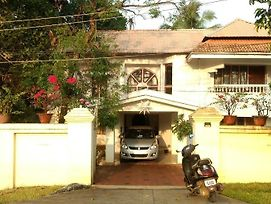 Orcha Homestay photos Exterior