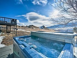 Unique Cabin With Indoor Pool And Mountain Views! photos Exterior