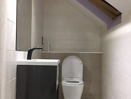 Private Double Room With New En-Suite Shower Room photos Exterior