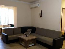 Abovyan 26B, 1 Bedroom Ap, In The Center Of Yerevan photos Exterior