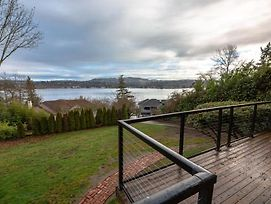 Hidden Paradise With Astonishing Lake View On Mercer Island! 1 Minute To I-90 photos Exterior
