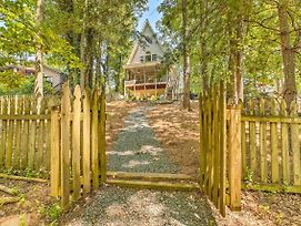 Secluded Lakefront Gainesville Cabin With Dock! photos Exterior