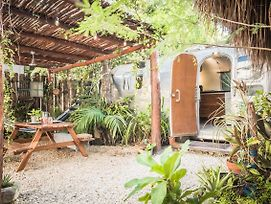 Experience The Iconic Airstream -Ac & Wifi photos Exterior