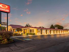 Econo Lodge Norwalk photos Exterior