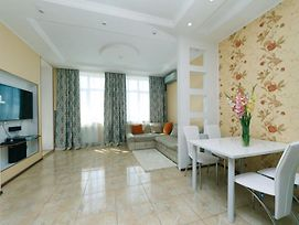 Magnificent Apartment With A Beautiful View Of Kiev -23 Floor! photos Exterior