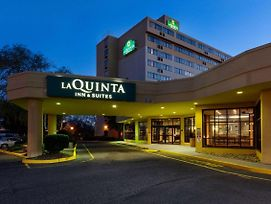 La Quinta Inn & Suites Secaucus Meadowlands photos Exterior